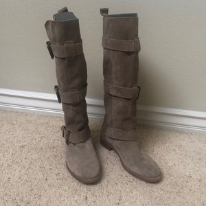 Burberry suede buckle boots